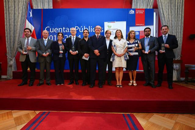 DGMN RECIBE RECONOCIMIENTO DE CHILE SIN PAPELEO