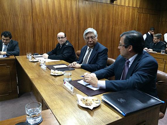 GABRIEL GASPAR: LA DEFENSA EN CHILE ES RESPONSABILIDAD DE TODOS LOS CHILENOS