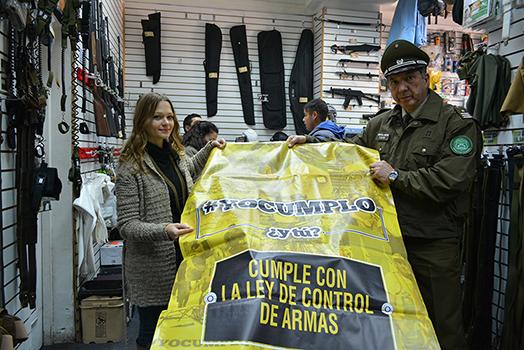 """CAMPAÑA  """"#YOCUMPLO ¿Y TÚ?""""  RECORRIÓ  ARMERÍAS DE SANTIAGO."""